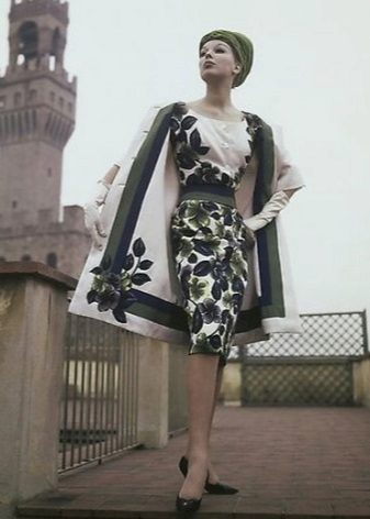 Päällysvaatteet pukeutuvat 60-luvun tyyliin