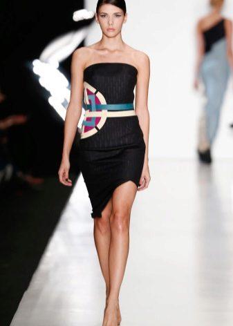 Cintos para um vestido de caixa preta