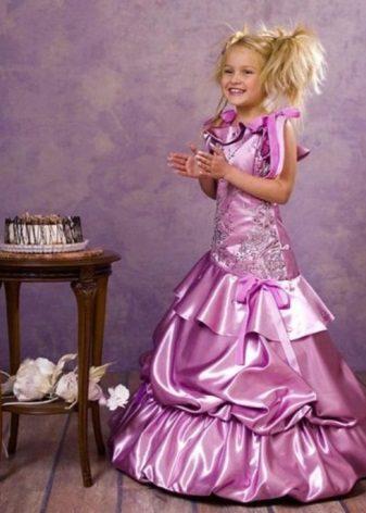 Vestido de formatura no jardim de infância lilás