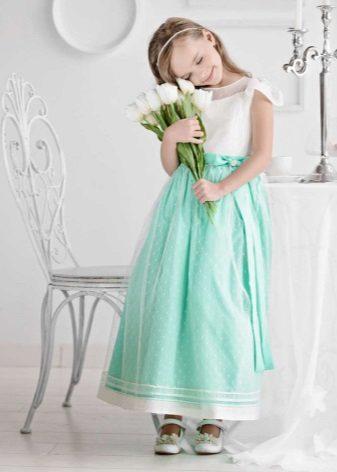 Vestido de formatura no jardim de infância turquesa