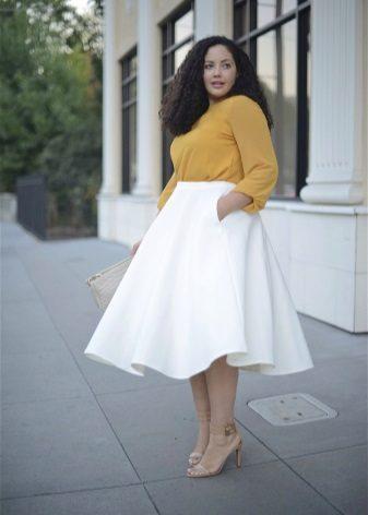 Faldilla estampada blanca per a dones obeses