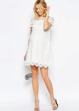 Обикновена сватбена рокля за майчинство