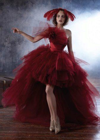 vestido de tafetá vermelho