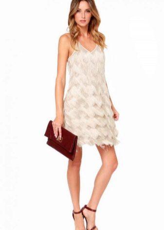 Бяла вечерна рокля с ресни
