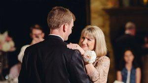 Bryllupskjole til brudens mor