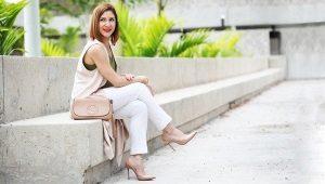 Klassiset naisten housut