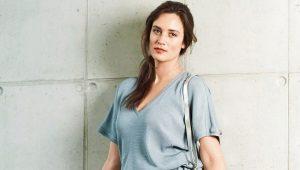 Patroon en op maat gemaakte blouse met kapmouwtjes
