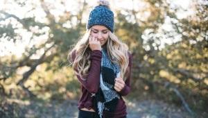 ชุดสตรี - หมวกและผ้าพันคอ