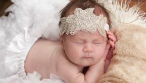 แถบคาดศีรษะสำหรับสาวแรกเกิด