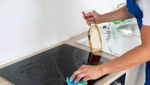 Hoe glas keramische kachel reinigen van roet?