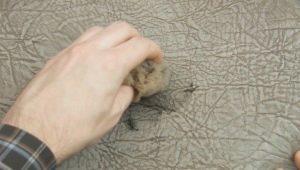 Effectieve middelen en methoden voor het verwijderen van vlekken van het handvat met kunstleer