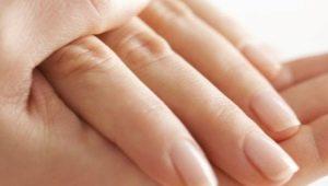 Hoe verjong je je handen thuis?