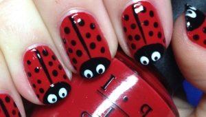 Hoe maak je een mooie manicure met een lieveheersbeestje op de nagels?