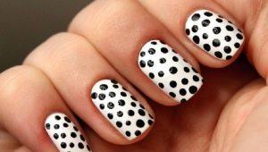 Stijlvolle ontwerp ideeën polka dot manicure