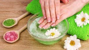 We maken baden met zout voor nagels