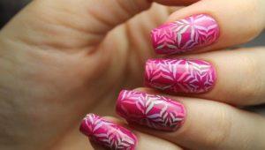 Ontwerpideeën voor manicure voor nagels van gemiddelde lengte