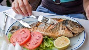 Hoe kies je een vork voor vissen?