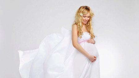 Как да изберем сватбена рокля за бременни булки?