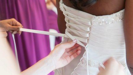 Hogyan csipke egy fűzőt egy esküvői ruha?