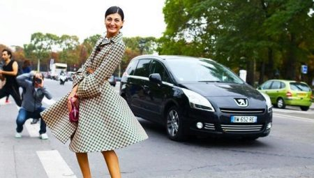 Dress with a skirt-sun should be in the wardrobe of every fashionista