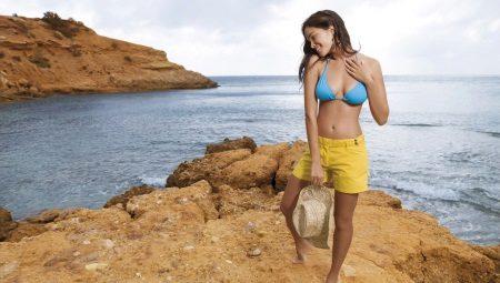 Calções de praia das mulheres