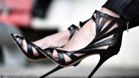 Sandálias de salto alto preto
