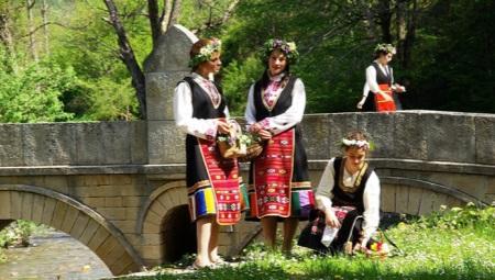 Bulgarian kansallinen puku