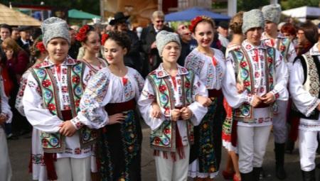 Traje nacional da Moldávia