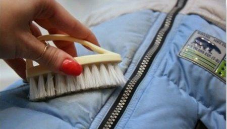 Cum se spală petele de grăsime dintr-un sacou?