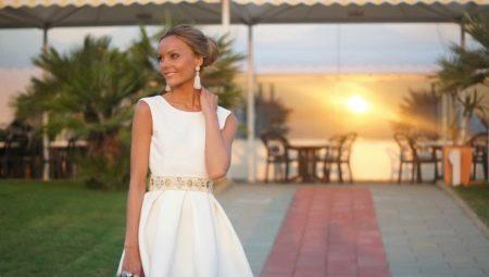 Mit kell viselni a nyáron az esküvőn?
