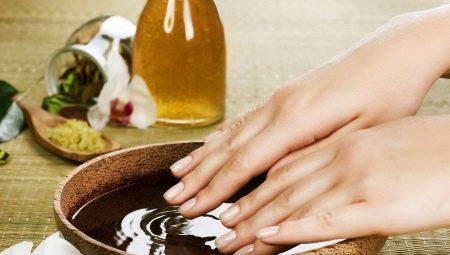 We maken baden met zout om de nagels te versterken