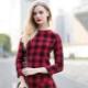 Vestido xadrez vermelho - contraste atraente