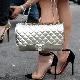 Sapatos com inserções de silicone
