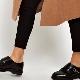 Sapatos de macaco