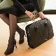 Sacos de mulheres de negócios