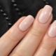 Natuurlijke manicure: ontwerpeigenschappen en stijlvolle ideeën