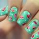 Hoe maak je een stijlvolle manicure met een watermeloen?