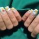 Manicure met madeliefjes: kenmerken van het decor en trends van het seizoen