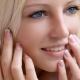 Franse manicure: ontwerpkenmerken en trends van het jaar