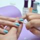 Hoe te gel polish te verwijderen van de huid rond de nagel na het drogen?