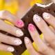 Zomermanicure voor korte nagels: van tederheid tot sappige helderheid