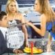Jaloers meisje: oorzaken en tekenen van jaloezie, hoe gedraag je je?