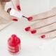 Hoeveel nagellak droogt op en hoe kan het drogen worden versneld?