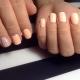 Varianten van de manicure voor korte nagels