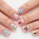 Een manicure-ontwerp kiezen voor korte nagels