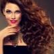 Péče o kudrnaté vlasy: výběr nástrojů, pravidla sušení a styling