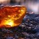 Ambra: caratteristiche, tipi e proprietà della pietra