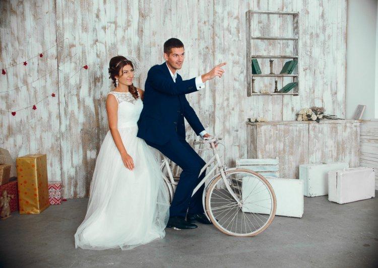 جلسة تصوير حفل زفاف في الاستوديو 40 صورة أفكار للتصوير في استوديو صور للعروس قبل الزفاف