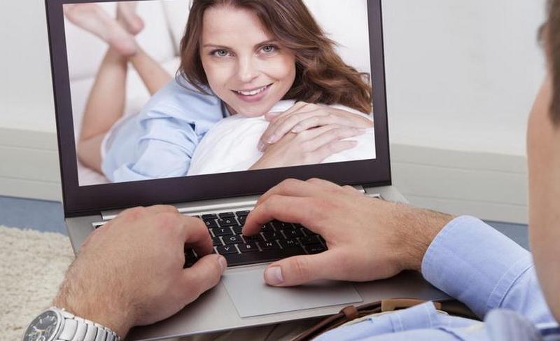 Jak brzy byste měli požádat dívku o online datování