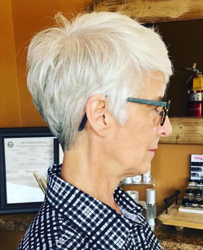 Til ældre kvinder frisurer 50 bedste